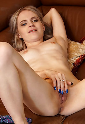 Don't let Merda Whiskey be the one who got away! She's a demanding little thing who knows how much her lovers want her firm breasts and bare pussy. She'll happily let you have whatever you want as long as you give her the orgasmic pleasure this cum craving hottie desires.